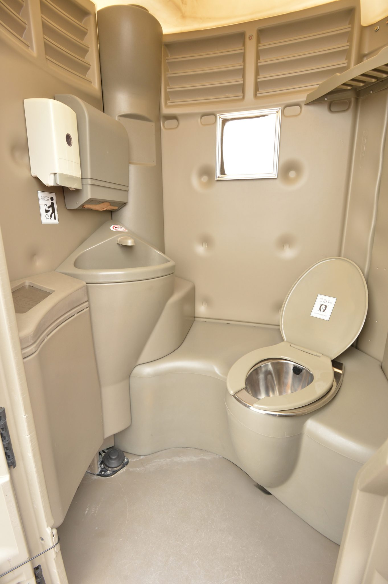 Luxury toilets in el paso a different porta potty for Porta johns for rent