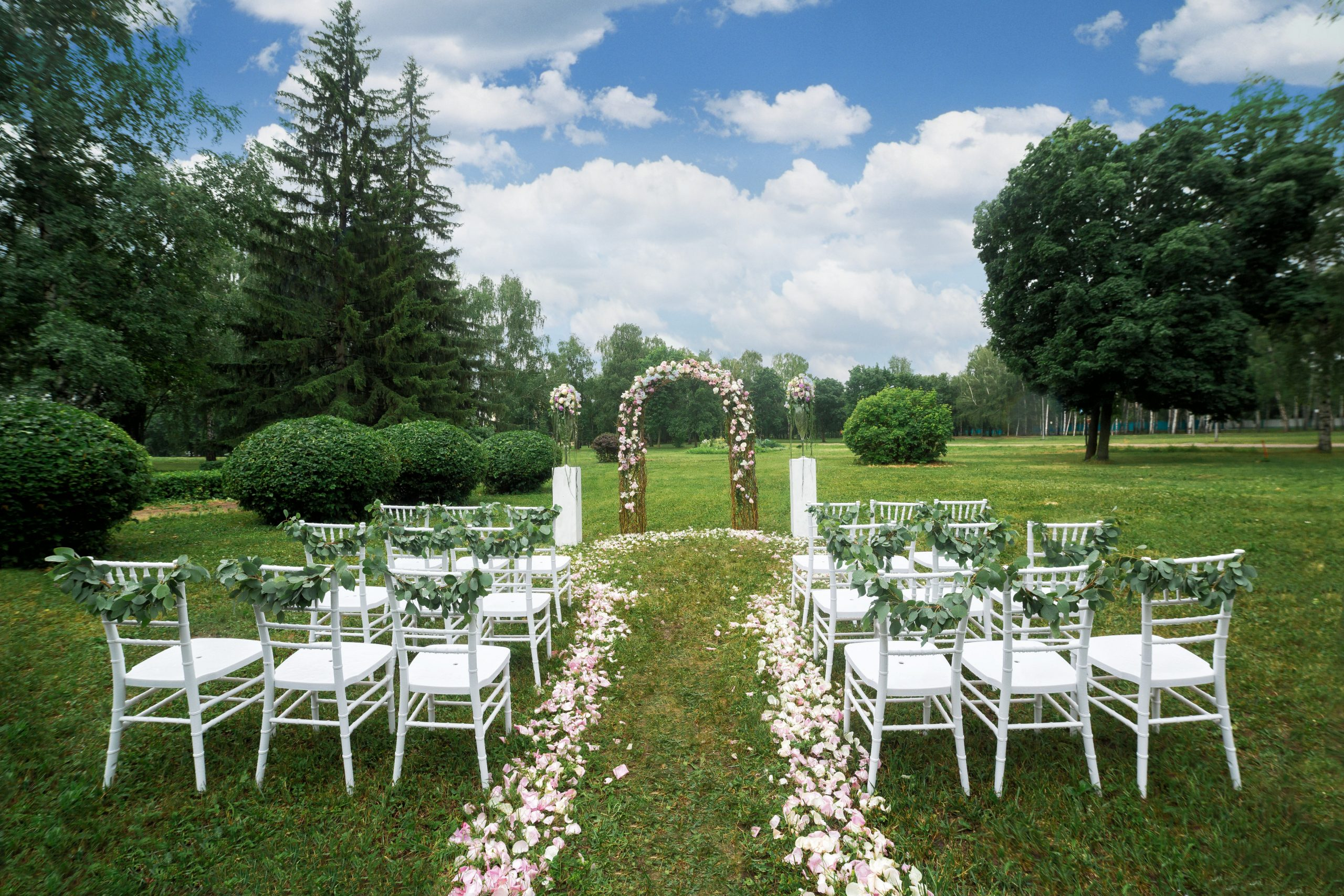 How Portable Restrooms Can Save Your Outdoor Wedding